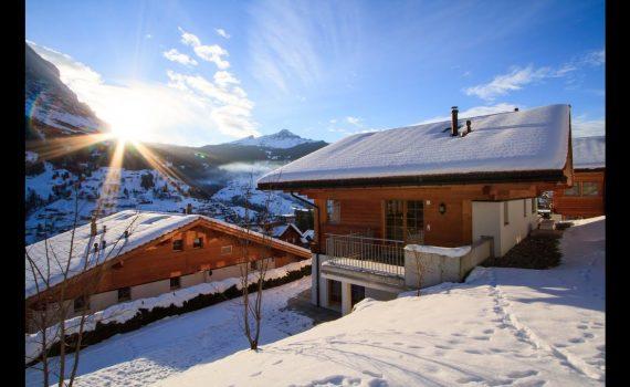 Video tour of Chalet Im Maad in Grindelwald, Switzerland.