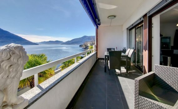 Apartment in Brissago, Switzerland, for sale, directly on Lake Maggior...