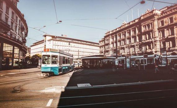 Esplora la città di Zurigo in Svizzera - Paradeplatz