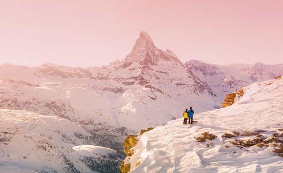 Amoureux au sommet à Zermatt en Suisse - Comment trouver l'amour en Suisse