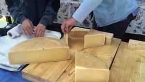 SwissOnlineDating.ch - The best dating site in Switzerland! - Switzerland Jungfrau Raw Cheese Cutting Swiss Tourism Video 300x169