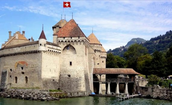 TOP 10 VISITING PLACES OF SWITZERLAND.